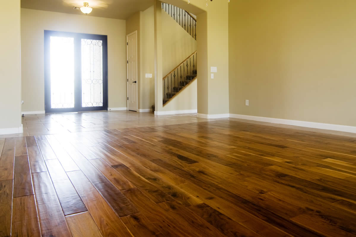 Guide For An Alternative To Hardwood Floors In Michigan