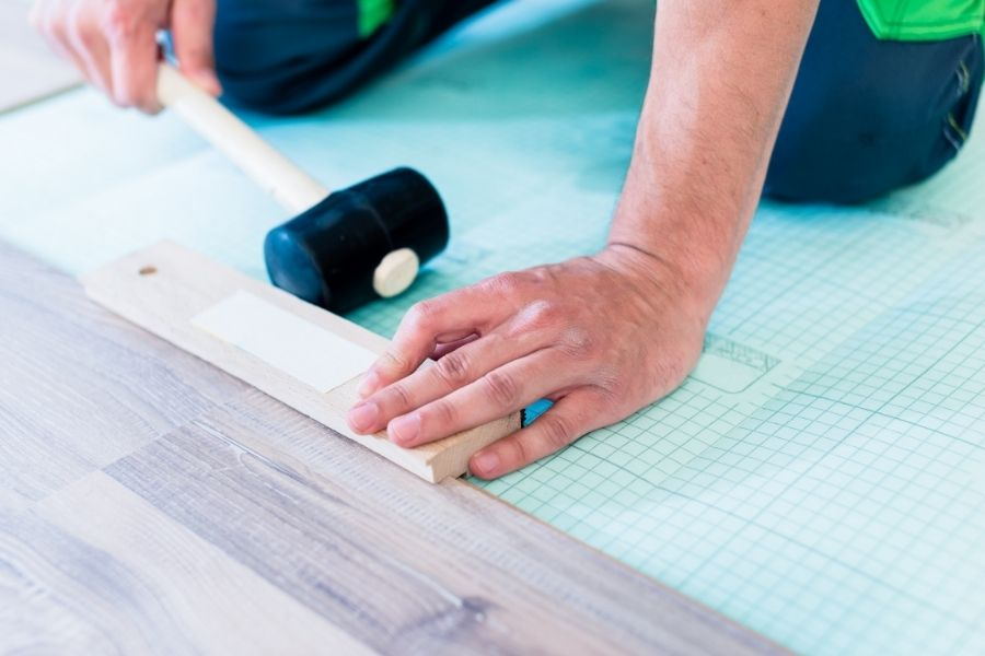 Laminate, Vinyl, and Tile Flooring in Lincoln Park Michigan Pros and Cons